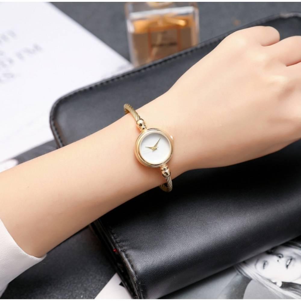Женские Часы наручные HR золотые с белым 2677