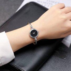 Часы HR белые с черным