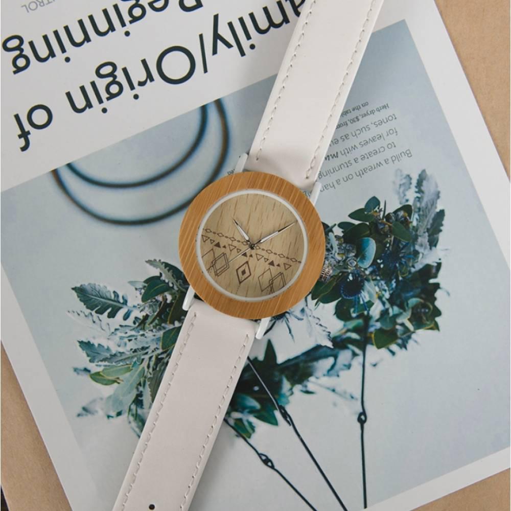 Часы наручные BB дерево белые 2715