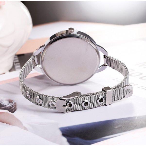 Часы CMK белые 2718