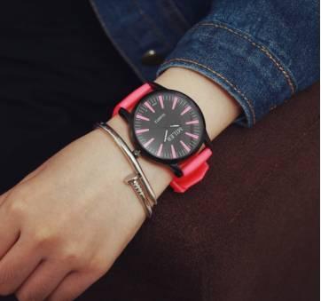 Женские Часы наручные MILER красные 2752