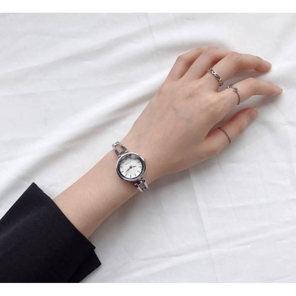 Женские Часы наручные Beirsute белые 3173
