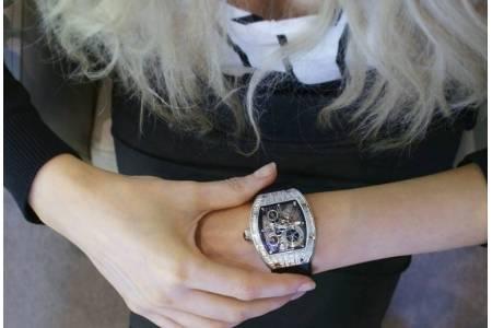 Как правильно выбрать женские наручные часы?