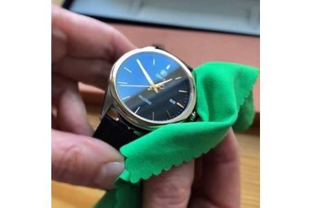 Как правильно чистить и полировать наручные часы?